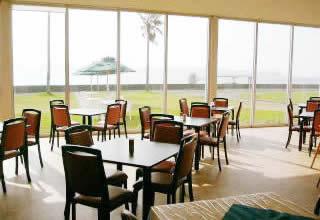 海中公園レストラン アクロポーラ