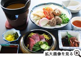 まぐろ丼と海鮮鍋